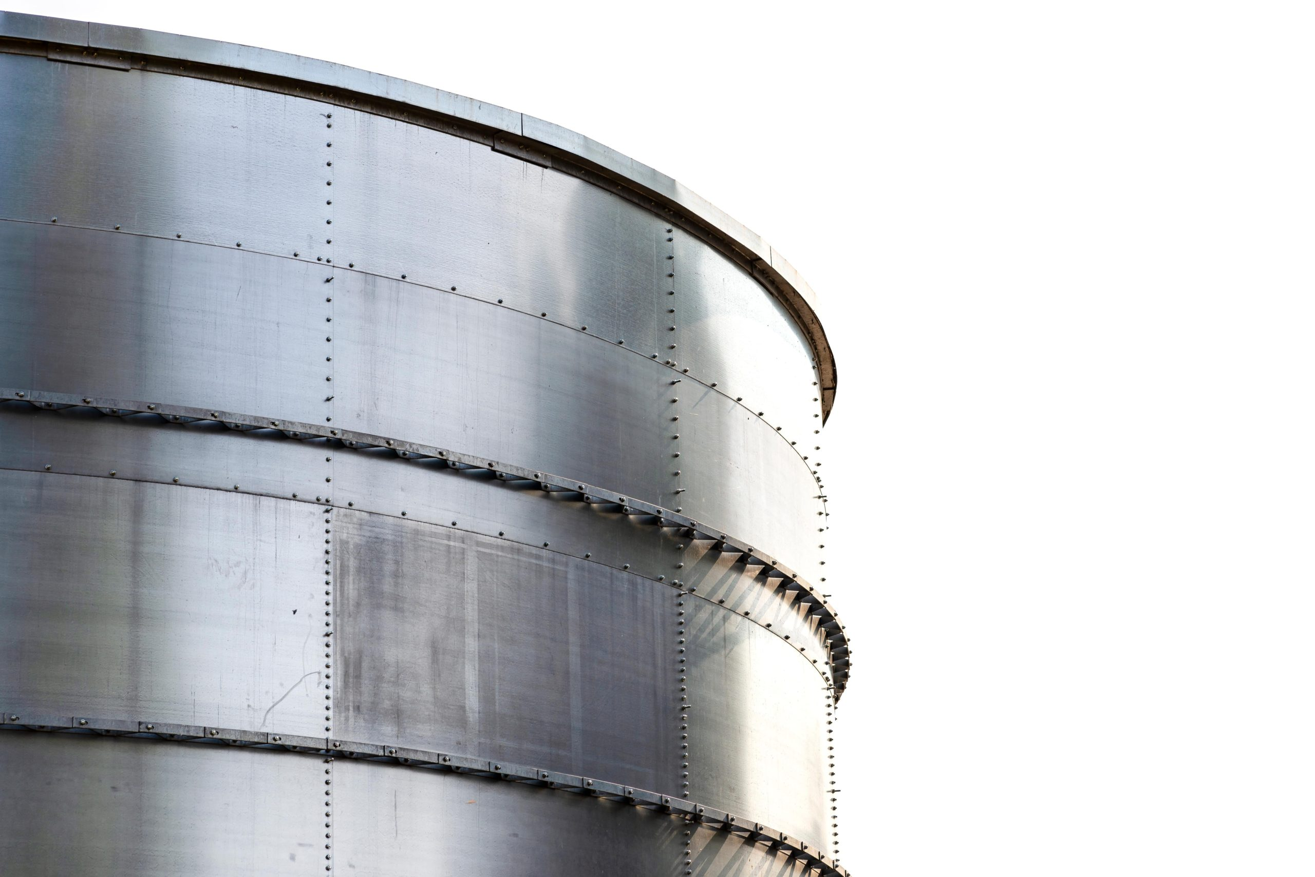 silos-silo-industrial-industrial-building-storage-cylinders-steel-metal-storage-oil-tank-architecture_t20_0XjoOg-min